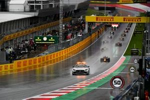 The Safety Car leads Yuki Tsunoda, Carlin, Guanyu Zhou, UNI-Virtuosi, Jehan Daruvala, Carlin, and the rest of the field away for the start