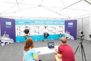 Nyck De Vries, Mercedes Benz EQ, Ian James, Team Principal, Mercedes-Benz EQ, Stoffel Vandoorne, Mercedes Benz EQ, en conférence de presse
