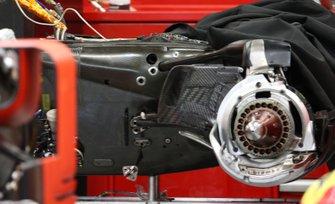 Ferrari SF16-H, caja de carbono en la caja de cambios