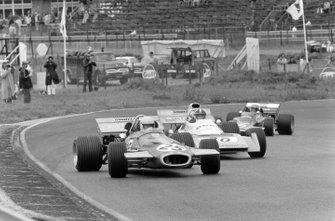 Tim Schenken, Brabham BT33, Chris Amon, Matra MS120B, Reine Wisell, Lotus 72C