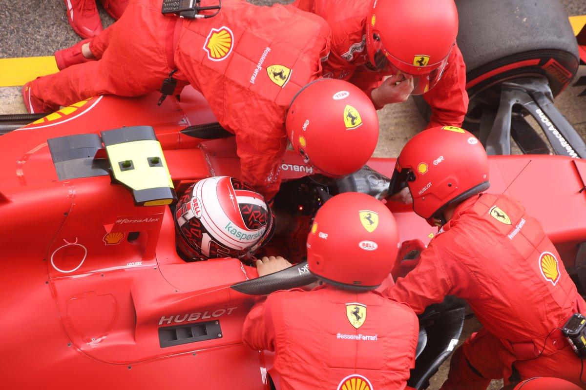 Charles Leclerc, Ferrari SF1000 ai box