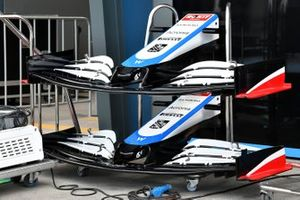 Spare WIlliams front wings and noses