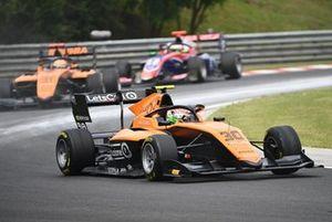 Alessio Deledda, Campos Racing leads Sophia Floersch, Campos Racing