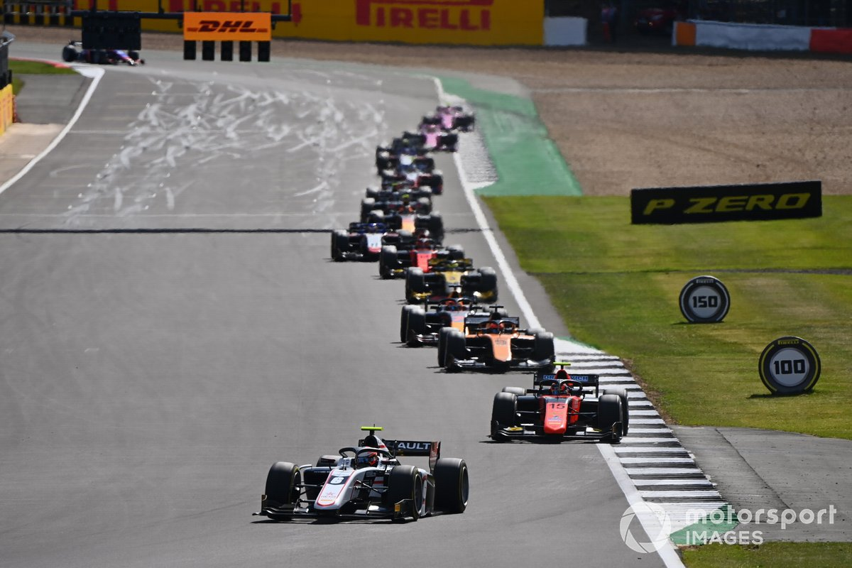 Christian Lundgaard, ART Grand Prix, precede Felipe Drugovich, MP Motorsport, Jack Aitken, Campos Racing, e Yuki Tsunoda, Carlin