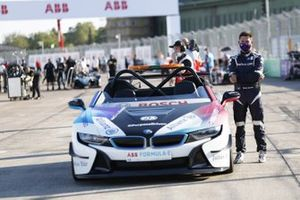 Bruno Correia with the BMW i8 Safety car