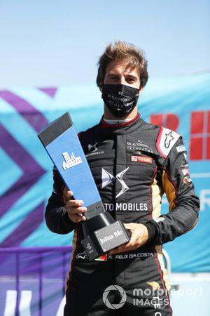 Antonio Felix da Costa, DS Techeetah, celebrates with the Julius Baer Pole Position award