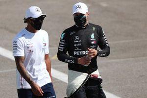 Pole Sitter Lewis Hamilton, Mercedes-AMG Petronas F1, second place Valtteri Bottas, Mercedes-AMG Petronas F1
