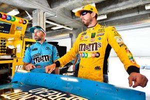 Kyle Busch, Joe Gibbs Racing, Toyota Camry M&M's and Adam Stevens