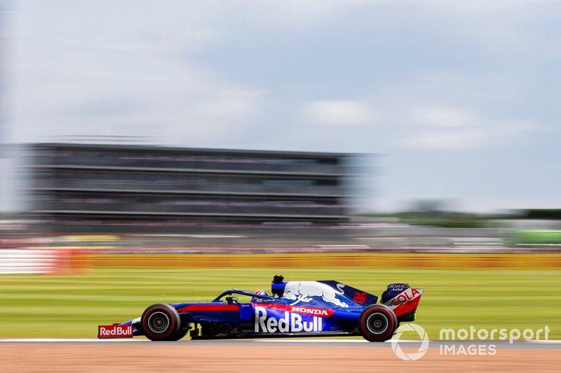 17: Daniil Kvyat, Toro Rosso STR14, 1'26.721