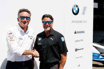 Alejandro Agag, CEO, Formula E shakes hands with Michael Andretti, Chief Executive Officer & Chairman, Andretti Autosport