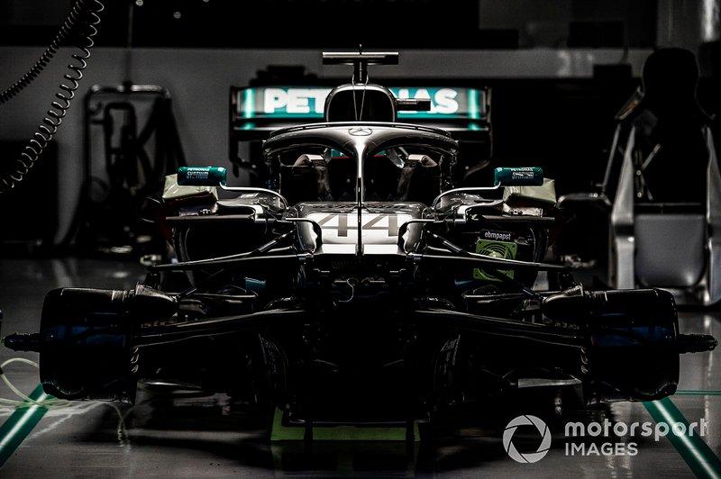 №2: Mercedes