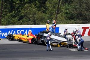 Crash: Ryan Hunter-Reay, Alexander Rossi, Takuma Sato
