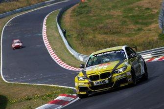 #650 BMW M240i Racing Cup: Yannick Fuebrich, David Griessner