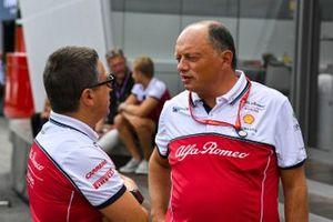 Marcus Ericsson, Alfa Romeo Racing reserve driver, behind Frederic Vasseur, Team Principal, Alfa Romeo Racing