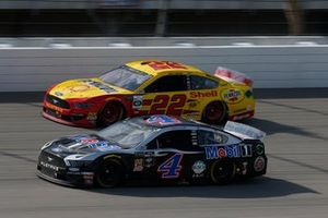 Kevin Harvick, Stewart-Haas Racing, Ford Mustang Mobil 1 Joey Logano, Team Penske, Ford Mustang Shell Pennzoil