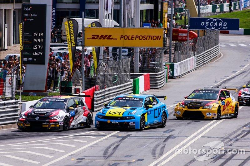 Benjamin Leuchter, SLR Volkswagen Volkswagen Golf GTI TCR, Andy Priaulx, Cyan Performance Lynk & Co 03 TCR, Aurélien Panis, Comtoyou DHL Team CUPRA Racing CUPRA TCR