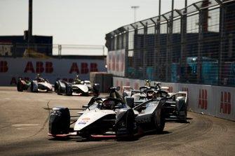 Себастьен Буэми, Nissan e.dams, Nissan IMO1, и Стоффель Вандорн, HWA Racelab, Venturi VFE05