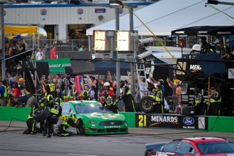 Paul Menard, Wood Brothers Racing, Ford Mustang Menards / Quaker State makes a pit stop, Sunoco