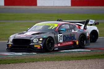 #31 JRM Racing Bentley Continental GT3: Seb Morris, Rick Parfitt Jr.