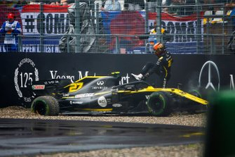 Nico Hulkenberg, Renault R.S. 19 hits the wall