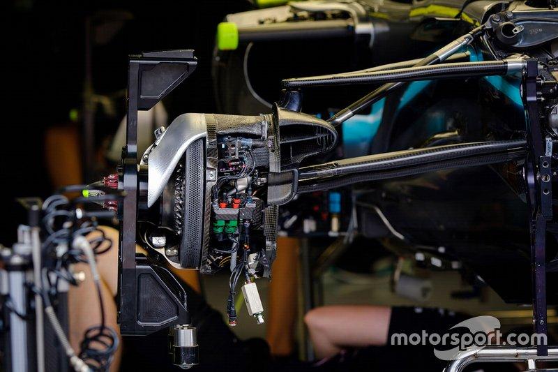 Detalle del freno delantero del Mercedes AMG F1 W10
