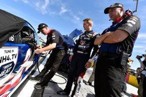 William Byron, Hendrick Motorsports, Chevrolet Camaro Liberty University and Chad Knaus