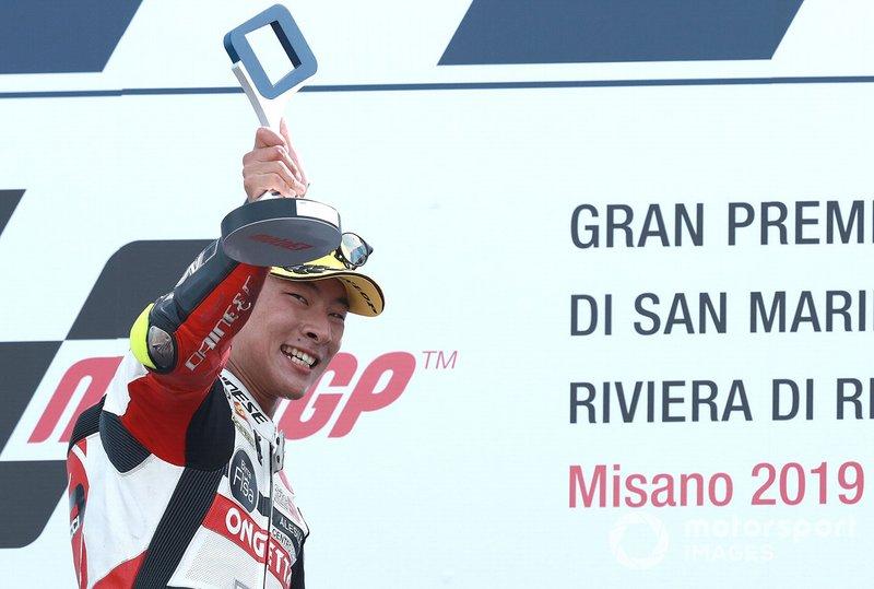 Podio: il vincitore della gara Tatsuki Suzuki, SIC58 Squadra Corse