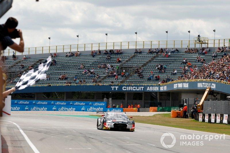 Race winner Mike Rockenfeller, Audi Sport Team Phoenix, Audi RS 5 DTM
