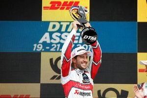 Podio: Ganador, Mike Rockenfeller, Audi Sport Team Phoenix