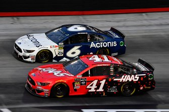 Daniel Suarez, Stewart-Haas Racing, Ford Mustang Haas Automation and Ryan Newman, Roush Fenway Racing, Ford Mustang Acronis