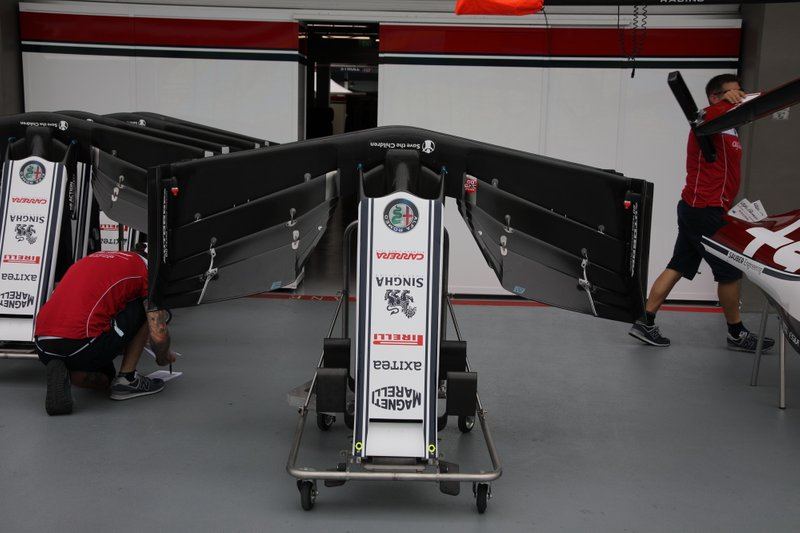 Alfa Romeo Racing C38, asa dianteira