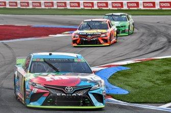 Kyle Busch, Joe Gibbs Racing, Toyota Camry M&M's Hazelnut, Martin Truex Jr., Joe Gibbs Racing, Toyota Camry Bass Pro Shops