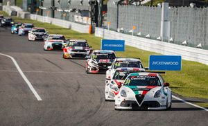 Kevin Ceccon, Team Mulsanne Alfa Romeo Giulietta TCR leads