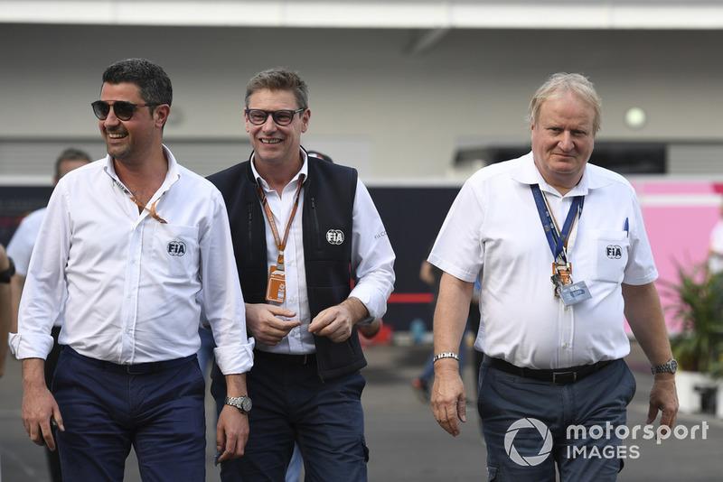 Bernd Maylander, FIA Safety Car Driver and Jo Bauer, FIA Delegate