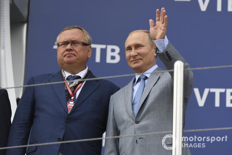 Andrey Kostin, VTB Başkanı ve Vladimir Putin, Rusya Başkanı