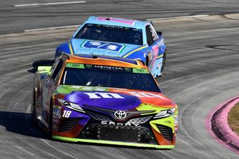 Kyle Busch, Joe Gibbs Racing, Toyota Camry M&M's Halloween, Ricky Stenhouse Jr., Roush Fenway Racing, Ford Fusion Fifth Third Bank