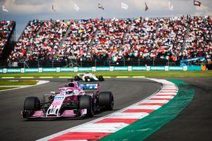Sergio Perez, Racing Point Force India VJM11, Charles Leclerc, Sauber C37