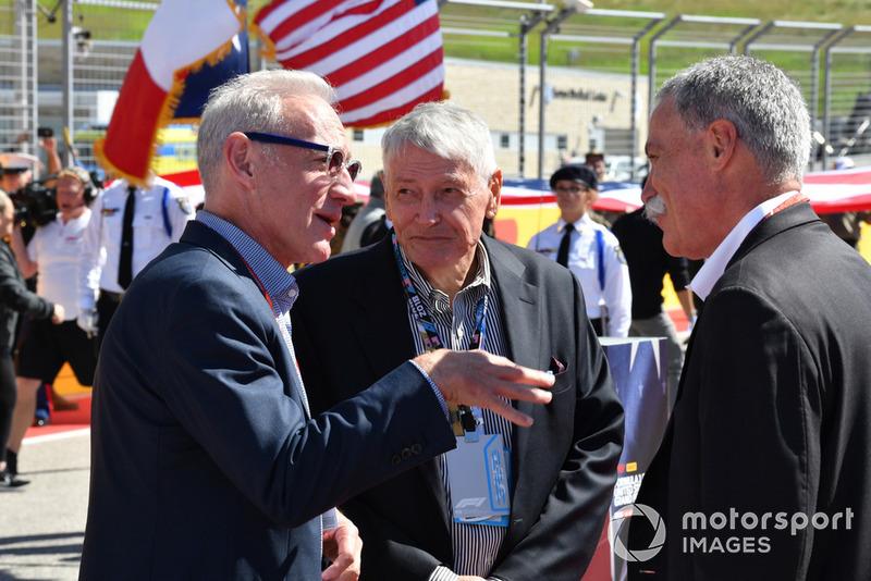 Chase Carey, Chief Executive Officer dan Executive Chairman Formula One Group, bersama Greg Maffei, President, CEO Liberty Media, dan John Malone, Chairman Liberty Media