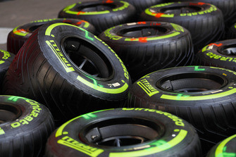 Шины Pirelli в паддоке