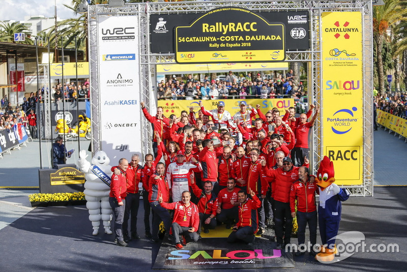 Winners Sébastien Loeb, Daniel Elena, Citroën World Rally Team Citroën C3 WRC with the team