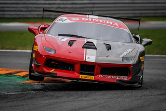 #84 Ferrari 488, Octane 126: Bjorn Grossman
