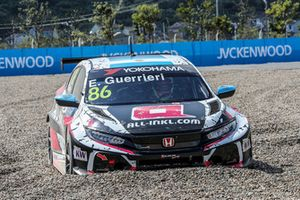 Esteban Guerrieri, ALL-INKL.COM Münnich Motorsport Honda Civic Type R TCR, crash