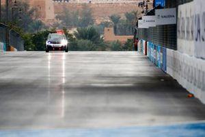 La BMW i3 du directeur de course fait un tour de circuit