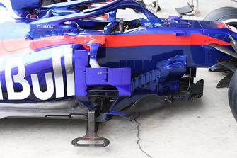 Detalle del bargeboard de la Scuderia Toro Rosso STR13