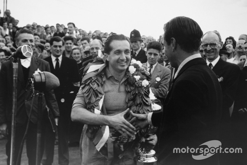 Alberto Ascari iguala Fangio em 1952