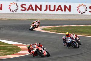 Chaz Davies, Aruba.it Racing-Ducati SBK Team, Alex Lowes, Pata Yamaha