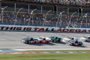 Noah Gragson, Kyle Busch Motorsports, Toyota Tundra Safelite AutoGlass Timothy Peters, GMS Racing, Chevrolet Silverado Kingman Chevrolet