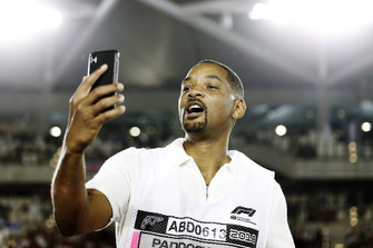 Will Smith takes a selfie
