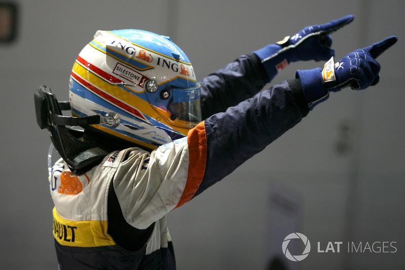 Fernando Alonso, Renault F1 Team R28 fête sa victoire