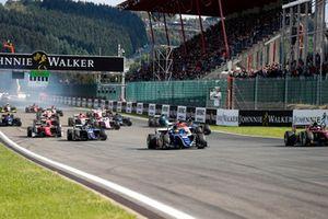 Sergio Sette Camara, Carlin leads Roberto Merhi, MP Motorsport